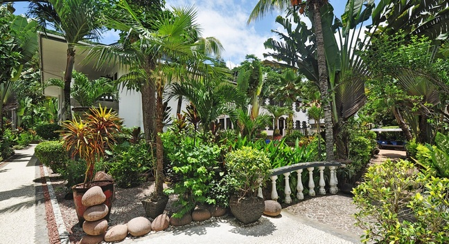 CHATEAU SAINT CLOUD LA DIGUE - La Digue