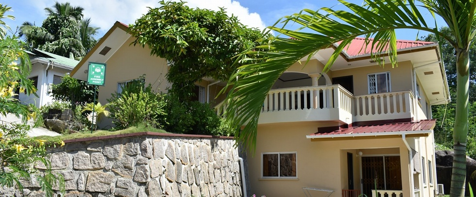 ZEPH SELF-CATERING APARTMENTS - Mahé